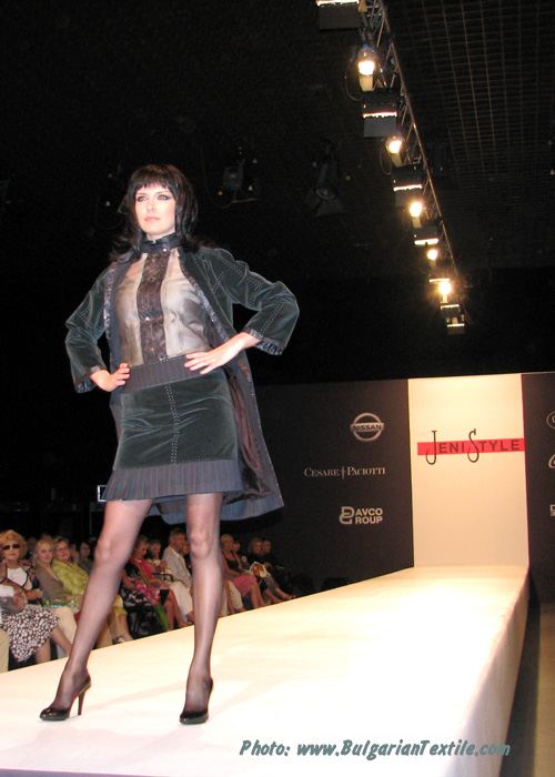 Fashion House Jeni Style – Fall/Winter 2010-2011 – Renaissance Winter – Part 1 - BulgarianTextile.com