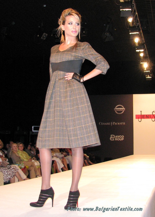 Жени Стил Fashion House Jeni Style – Fall/Winter 2010-2011 – Renaissance Winter – Part 1