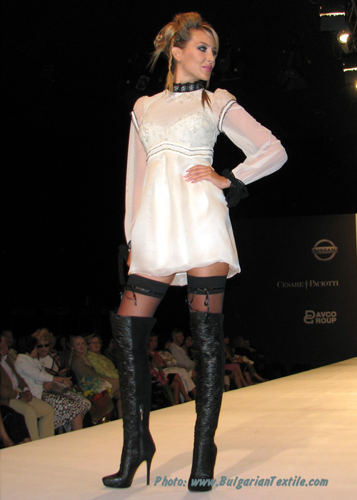 Жени Стил Fashion House Jeni Style – Fall/Winter 2010-2011 – Renaissance Winter – Part 2