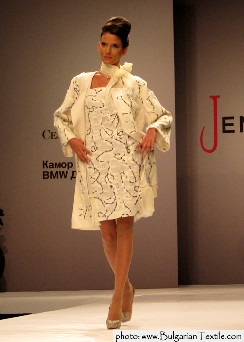 COLLECTION FALL - WINTER 2011/ 2012 RED AND BLACK BY JENI STYLE - PART II - BulgarianTextile.com