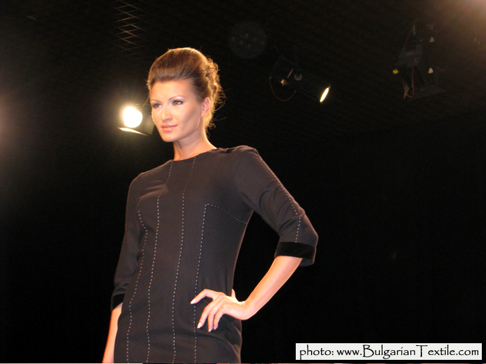 COLLECTION FALL - WINTER 2011/ 2012 RED AND BLACK BY JENI STYLE - PART IV - BulgarianTextile.com