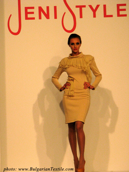 Jeni Style presented her newest collection FW 2012-2013 - Part 1 - BulgarianTextile.com