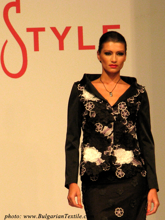 Светлана Григорова Bulgarian Fashion in the style of Jackie Kennedy