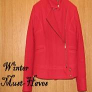 Червено палто за настроение през зимата